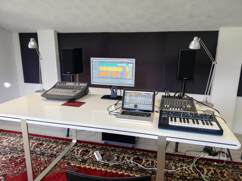 Producer les bij School of Hits