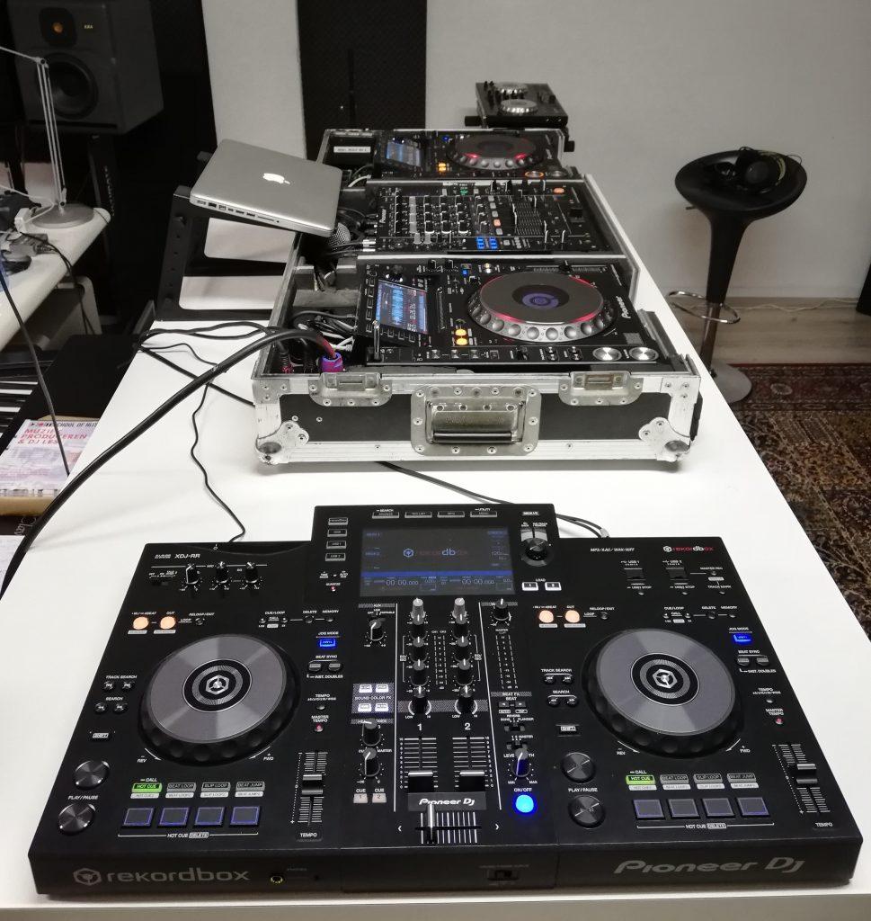 XDJ-RR en Pioneer DJ set voor de DJ les bij School of Hits in Bussum